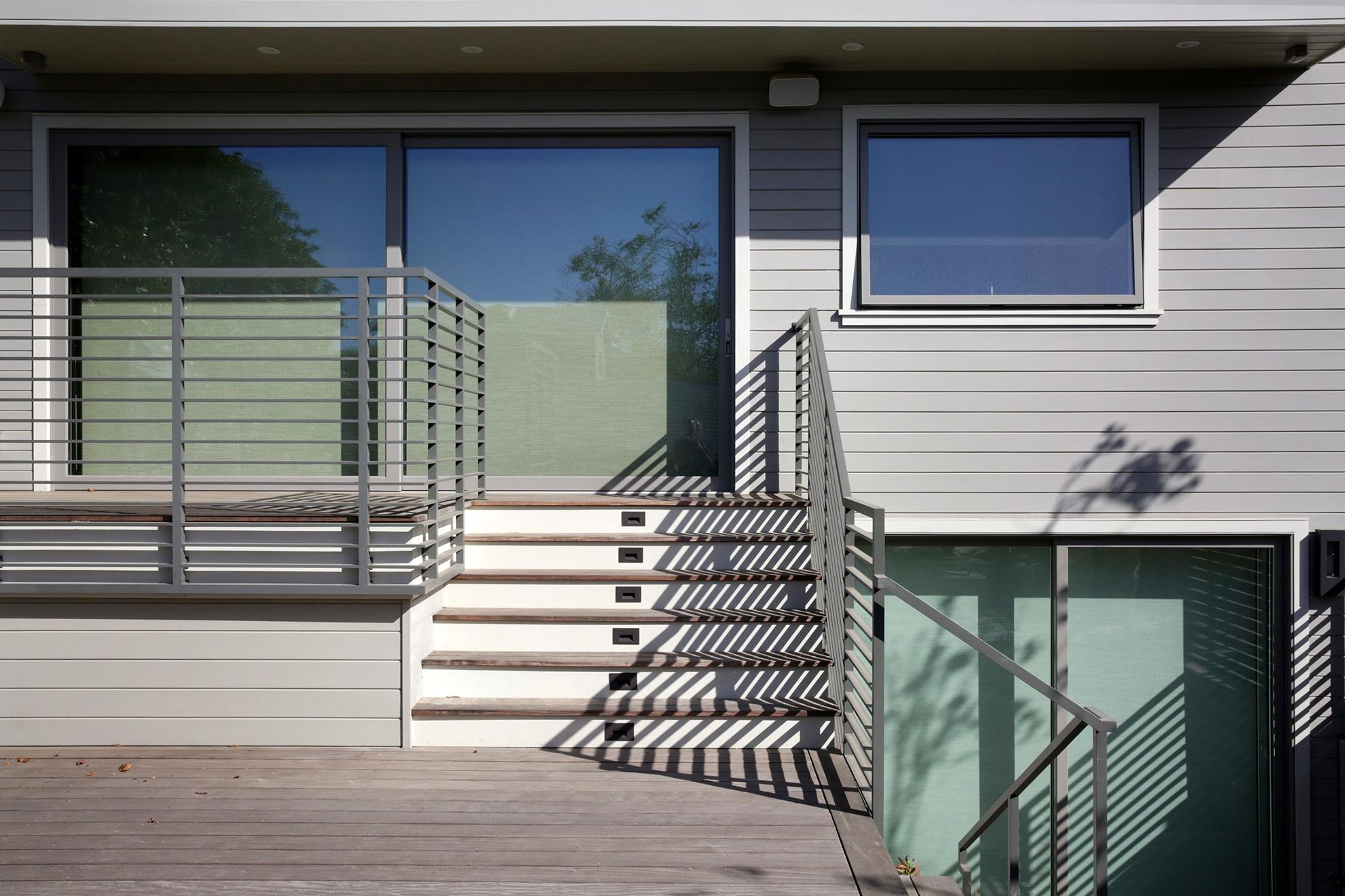 back porch horizontal railing system