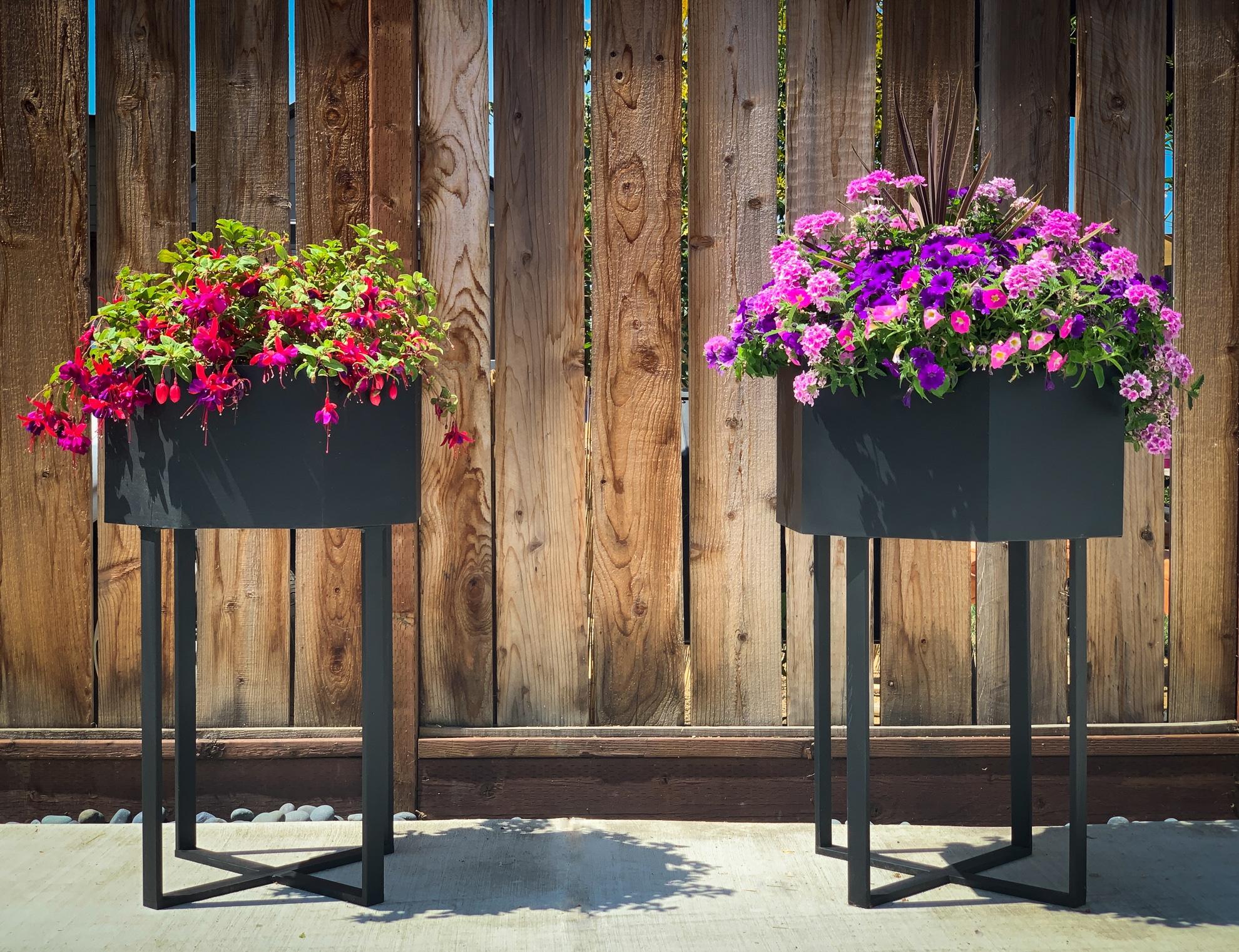 geometric standing planters, front view, portfolio