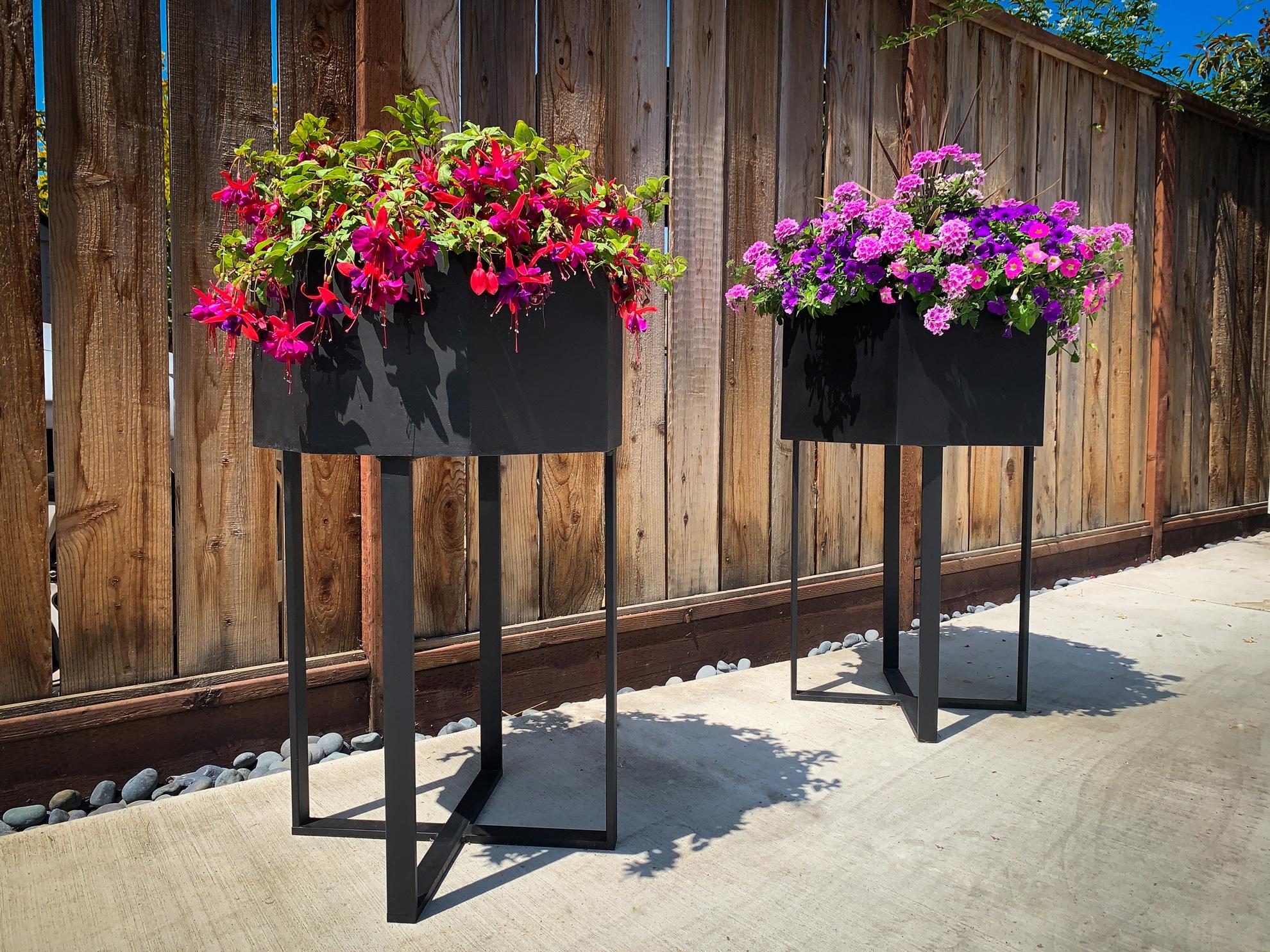 geometric standing planters, side view, portfolio